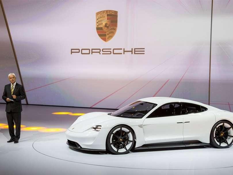 خودروهای پورشه تا ۲۰۲۳ الکتریکی میشوند