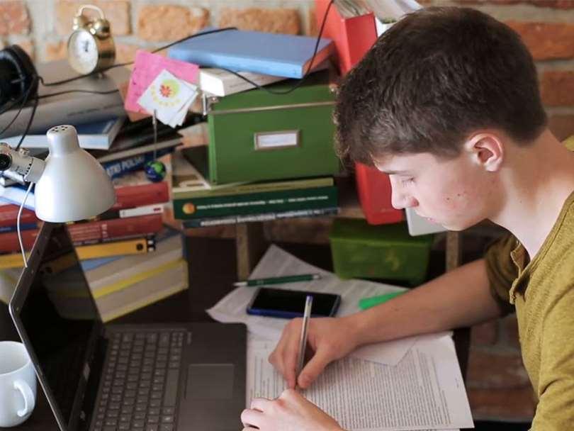 لپ تاپ مناسب دانشجویان و دانش آموزان