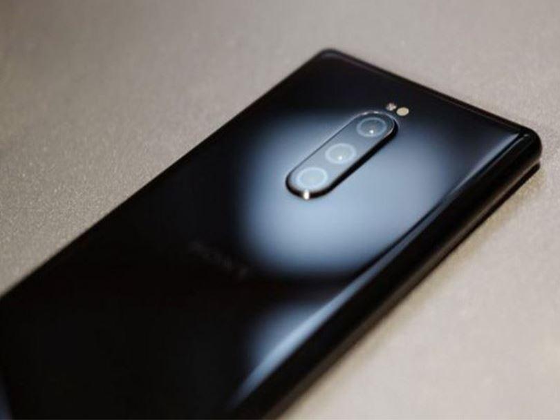 موبایل جدید سونی با دوربین سهگانه رخ نشان داد؛ اکسپریا 1s یا اکسپریا 1v؟