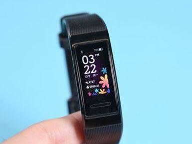 مچبند سلامت هواوی بند 4 پرو با GPS و NFC داخلی معرفی شد